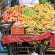 Banchetto della frutta nei pressi di Jaipur, in Rajasthan, India