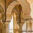 Colonne ad Amber Fort nei pressi di Jaipur, in rajasthan, India