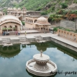 Fontana al Tempio delle Scimmie presso Jaipur, in Rajasthan, India