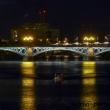 Vista del Ponte Di Isabel II di sera a Siviglia in Andalusia, Spagna