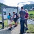 Turisti a Crampiolo presso l'Alpe Devero, Piemonte