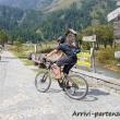 Sportivi in bici all'Alpe Devero, Piemonte
