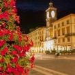 Piazza Tre Martiri alla sera, Rimini