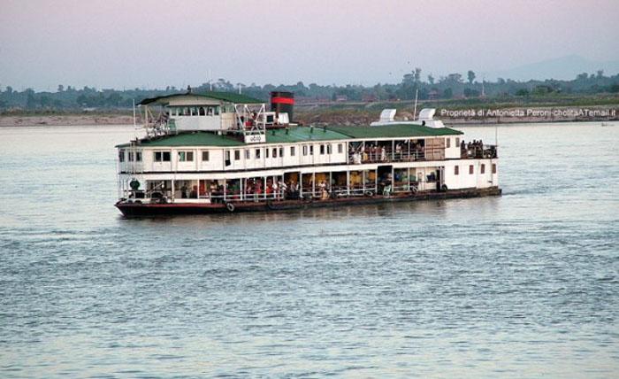 Navigazione sull'Ayeyarwady