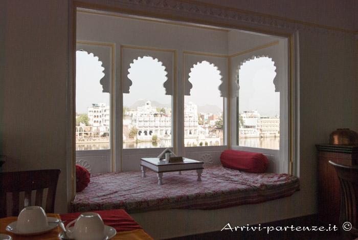 Udaipur cosa vedere e dove dormire: sala da pranzo presso il Jagat Niwas Palace