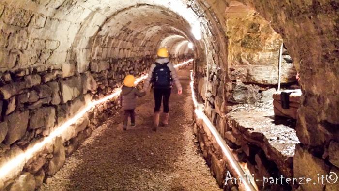 La Grotta Di Babbo Natale.10 Motivi Per Non Visitare La Grotta Di Babbo Natale Di Ornavasso