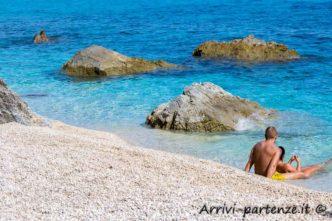 Coppia sulla battigia, Sardegna