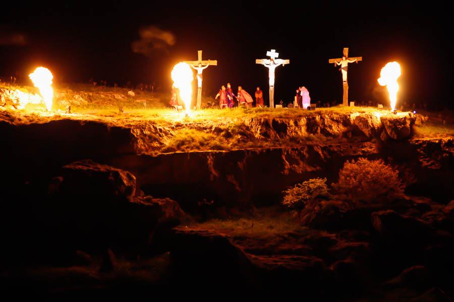 Crocifissi a ridosso del Canyon, Matera