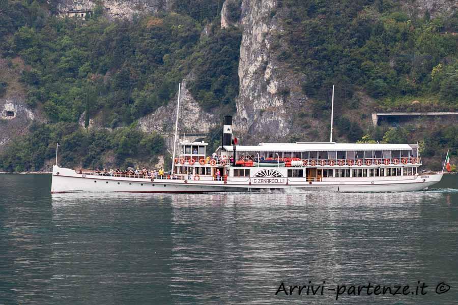 Imbarcazione nei pressi di Riva del Garda, Trentino- Alto Adige