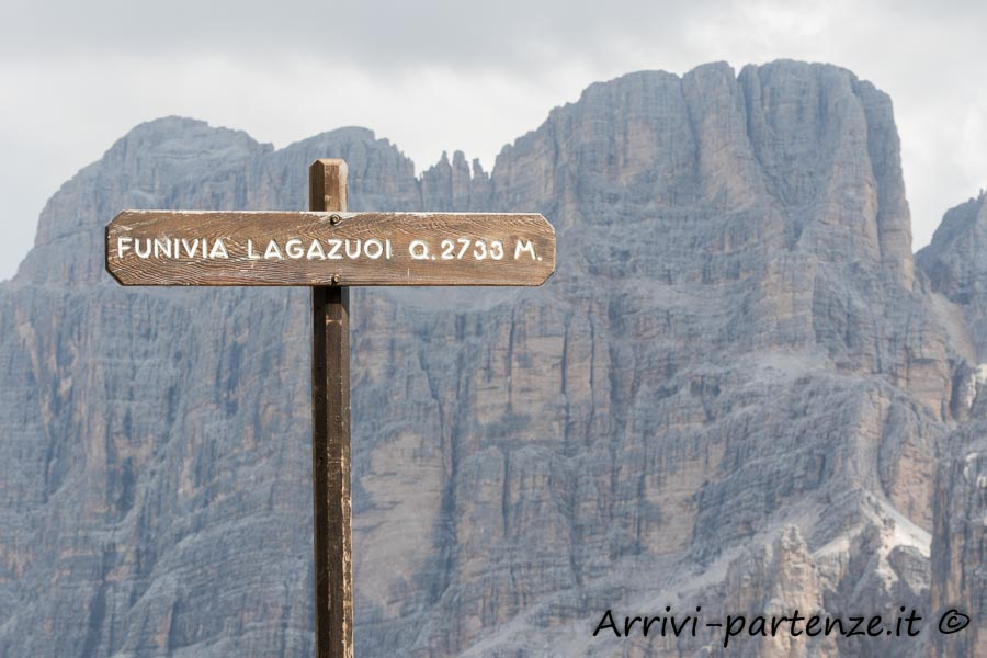 Indicazione della funivia del Lagazuoi, Veneto