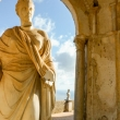 Statua presso Villa Cimbrone a Ravello, Costiera Amalfitana