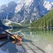 Barca presso il lago di Braies, Alto Adige