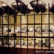 Elmi e armature all'interno del Museo del Mare Galata, Genova