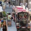 Trenino per via dei Consoli a Gubbio, Umbria