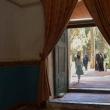 Popolazione presso il Mausoleo a Kerman, Iran