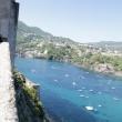 Avvicinamento al Castello Aragonese.