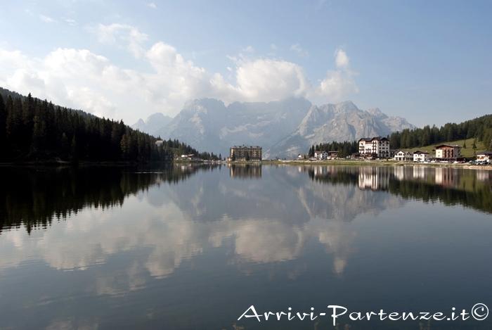 Il lago di Misurina, specchio d'acqua