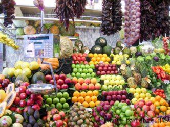 Bancarella di frutta alla Boqueria, Barcellona