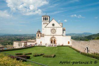 Vista dell'esterno della Basilica di San Francesco, Assisi