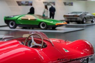 Primo piano della 1900 C52 DISCO VOLANTE al Museo dell'Alfa Romeo, Arese