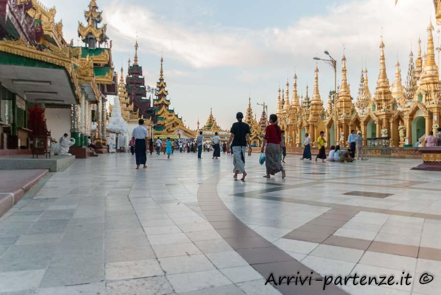 Shwedagon Pagoda a Yangon, Myanmar