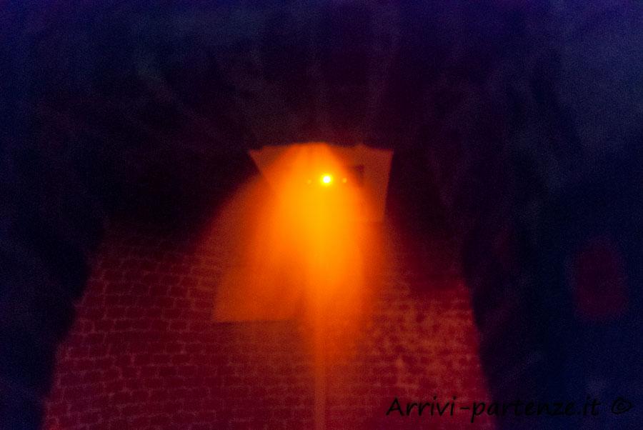Doccia emozionale nella grotta del Tenimento Al Castello di Sillavengo, Novara