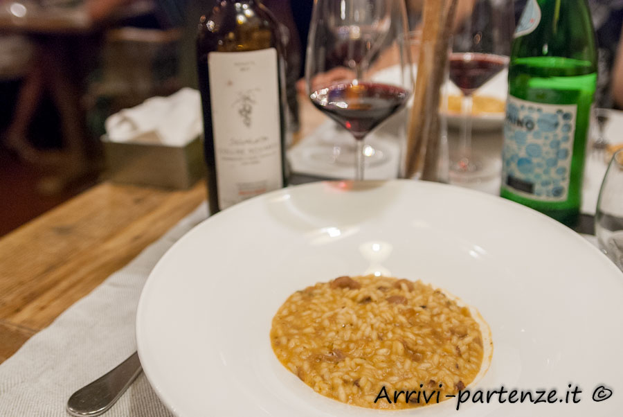Piatto di risotto presso il ristorante Q33 del Tenimento Al Castello di Sillavengo, Novara