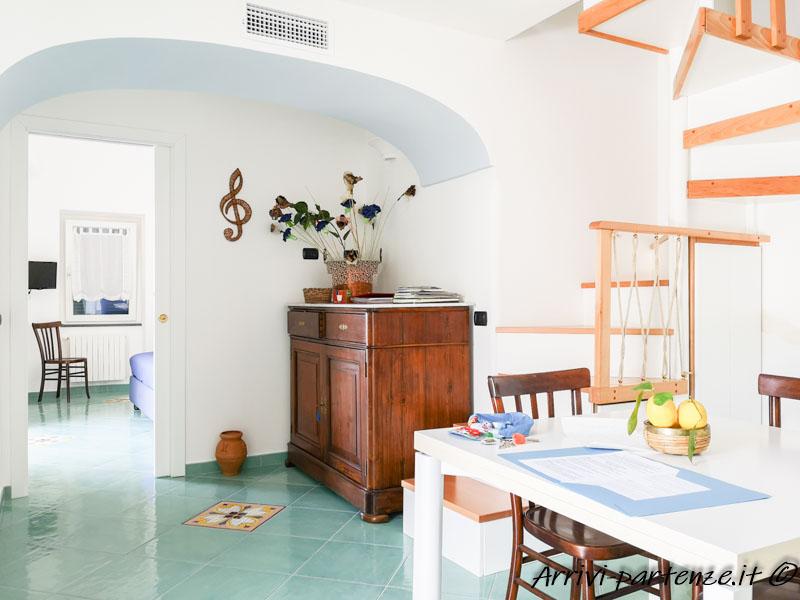 Soggiorno della Casa Vacanze Dame a Pogerola frazione di Amalfi, Costiera Amalfitana