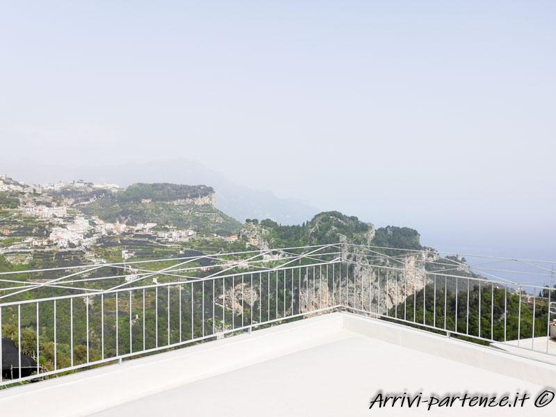 Terrazza della Casa Vacanze Dame a Pogerola, frazione di Amalfi, Costiera Amalfitana