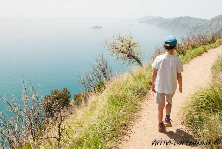 Bambino sul Sentiero degli Dei, Costiera Amalfitana