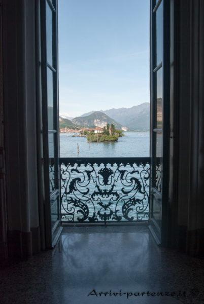 Vista dell'Isola dei Pescatori dalla Villa-Borromeo sull'Isola Bella, Piemonte