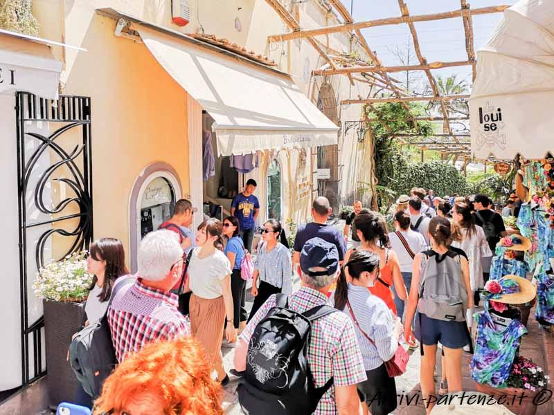 Shopping a Positano, Costiera Amalfitana