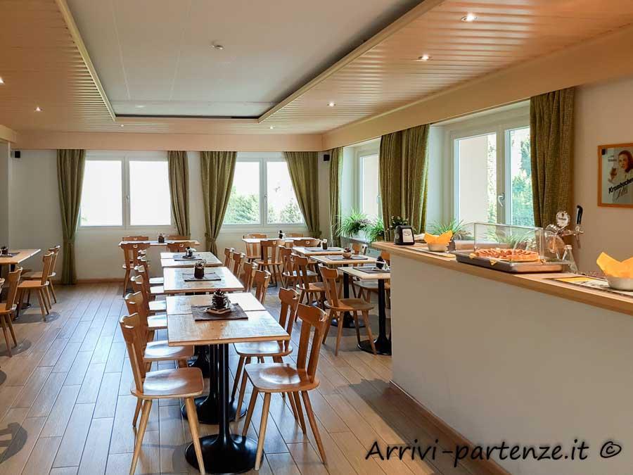 Sala colazione del Garni Belvedere ad Arabba, Veneto