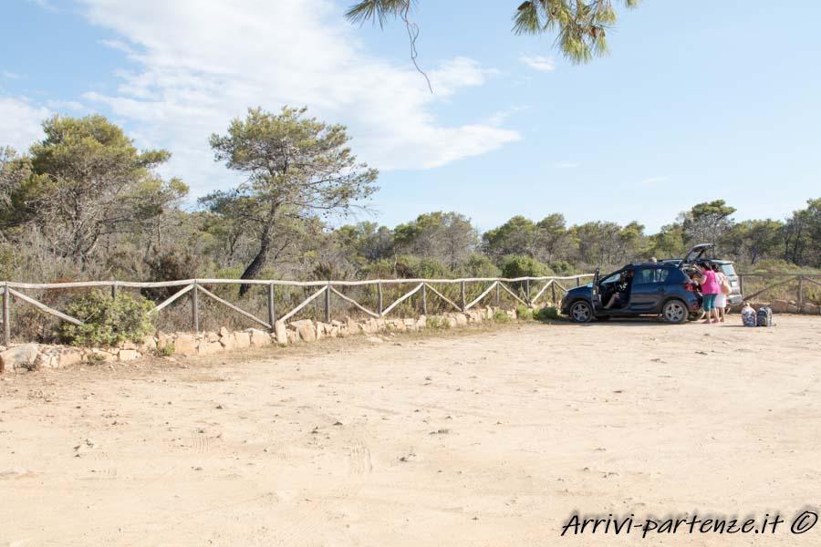 Parcheggio all'oasi numero 3 di Biderosa, Sardegna