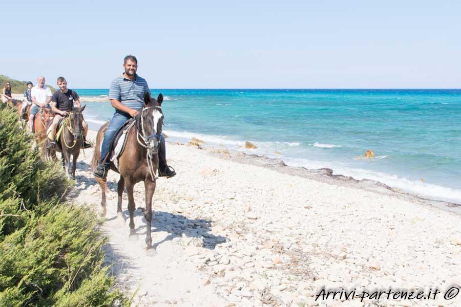 Escursione a cavallo nell'oasi di Biderosa, Sardegna